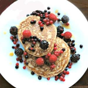 3-Ingredient Banana Oat Pancakes (gluten-free)