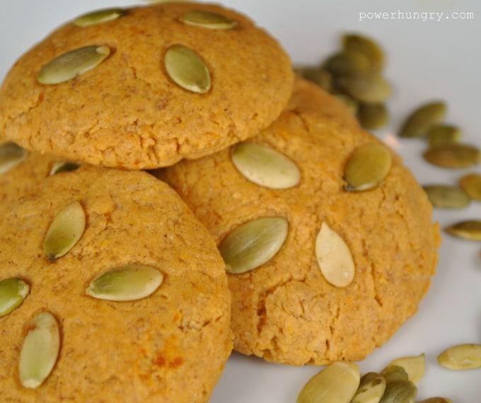 pumpkin coconut flour cookies 001